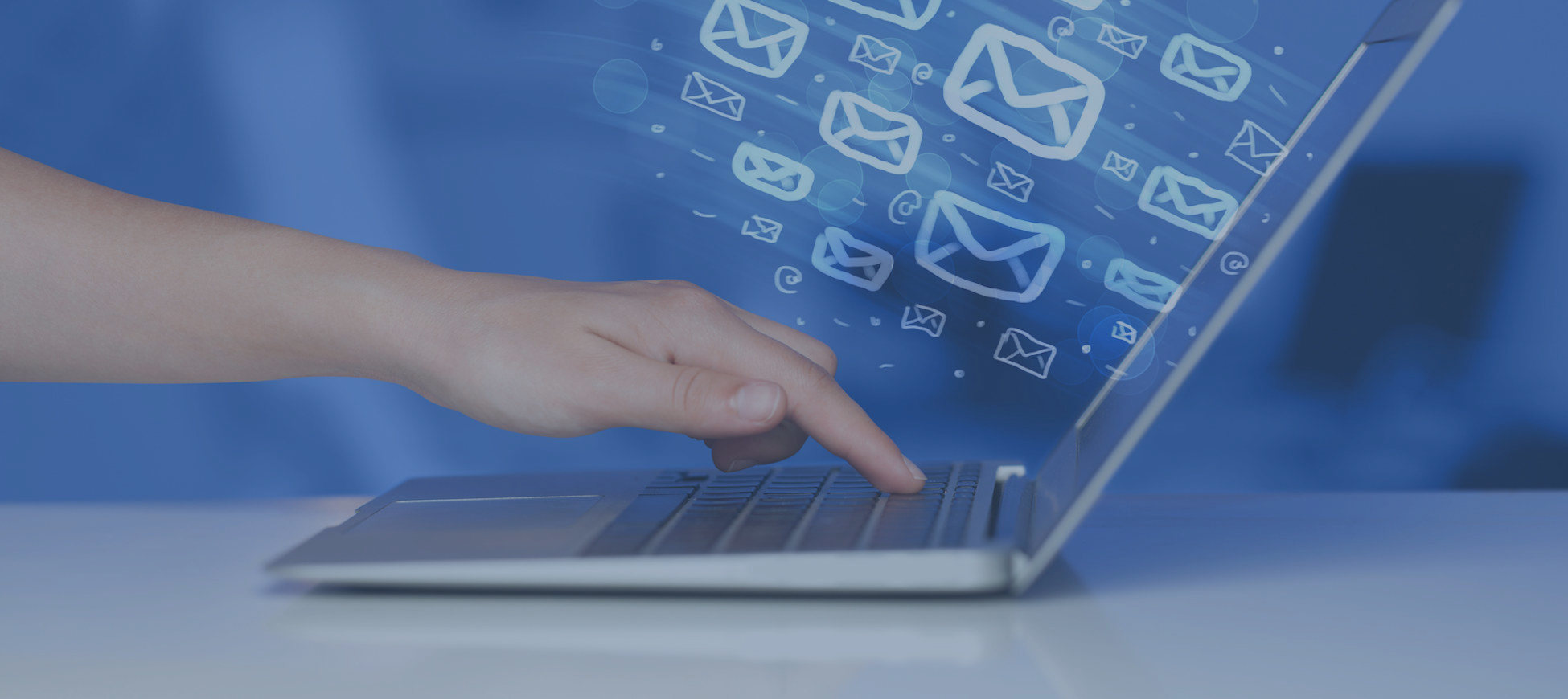 Send marketing email messages to hundreds or even thousands of recipients, then monitor who opens the emails to help you target your marketing and lead opportunities.